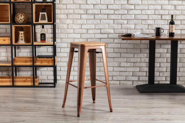 Tannum stool high back with copper leg