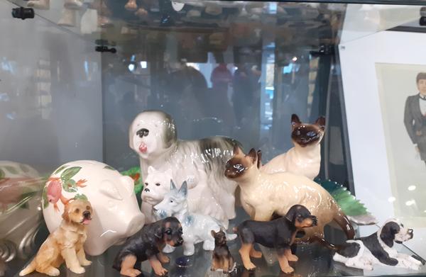 dog-figurines